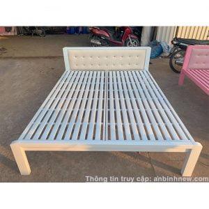 giường ngủ sắt 1m4 x 2m