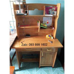bàn học có kệ sách bằng gỗ