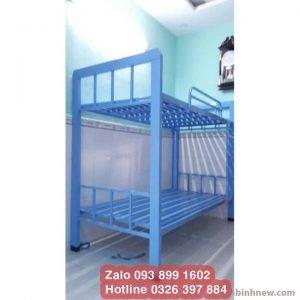 giường ngủ 2 tầng màu xanh