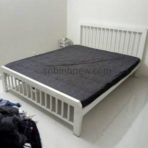 giường sắt 1m5 phun sơn trắng
